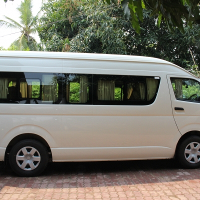 Car Rental +Experience + Driver 2000 Baht per day
